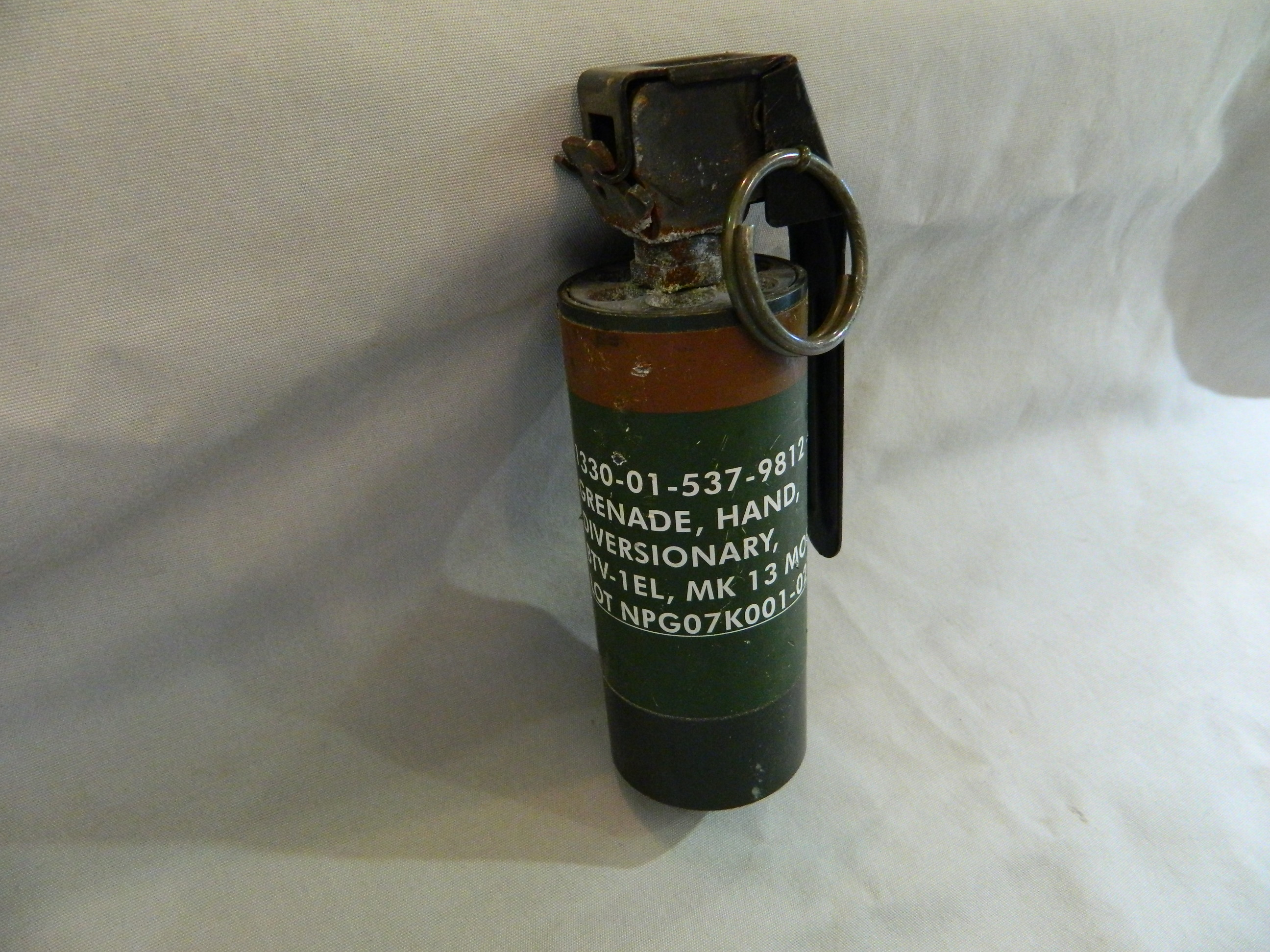 MK 13 MOD 0 Diversionary Hand Grenade (Flash Bang)