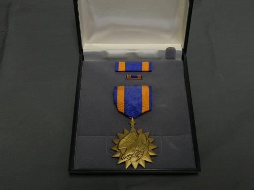 Air Medal - Full Size w/Ribbon-Cased